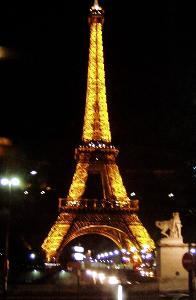 Eiffel Tower Pictures Christmas on Eiffel Tower At Christmas2 Jpg